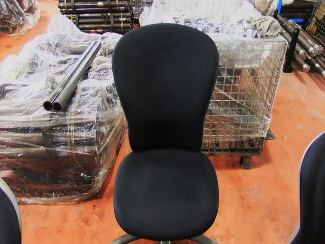 工場椅子クリーニング後
