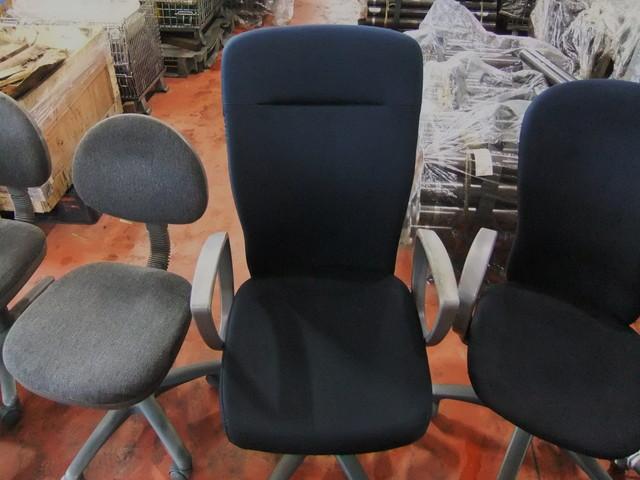 工場椅子油汚れクリーニング後