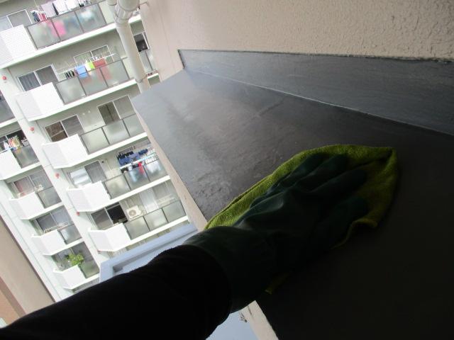 マンション庇 鳥糞除去クリーニング