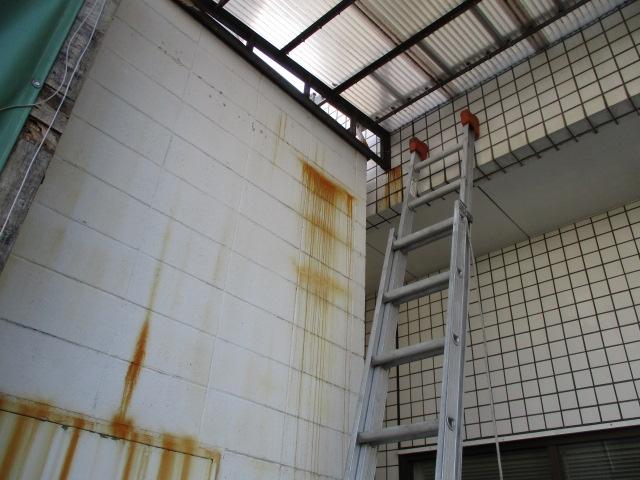 工場塗壁清掃前